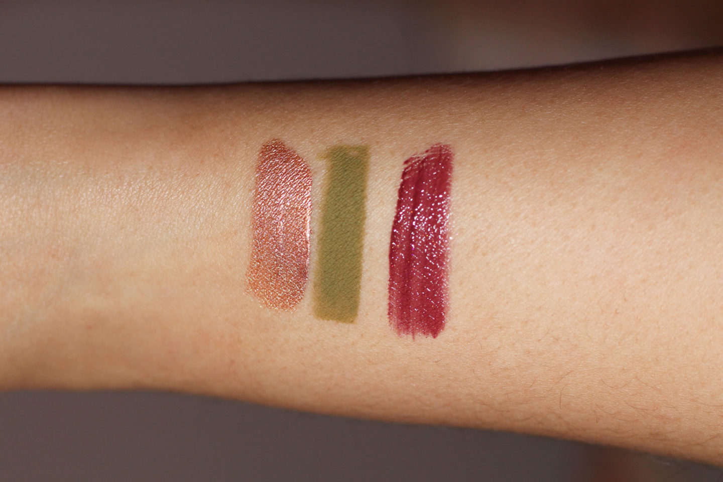 swatched glossier play color slide niteshine vinylic lip